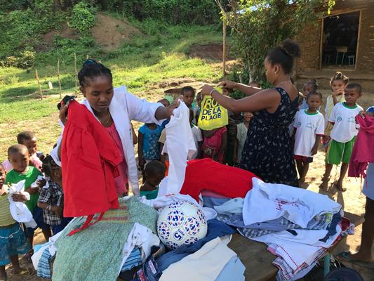 Distribution de vêtements